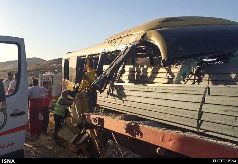 6 کشته و 18 زخمی در تصادف مرگبار اتوبوس با تریلر در جاده سقز + تصاویر!